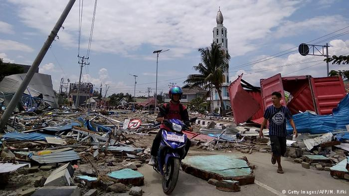 Indoneisan_Tsunami_copy.jpg